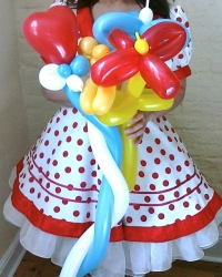 Flower Balloons by Kiki's Face Painting and Balloons